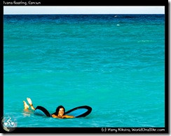 Ivana floating, Cancun